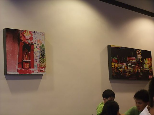 第1日午餐-1970香港故事-牆上相框裝飾.jpg