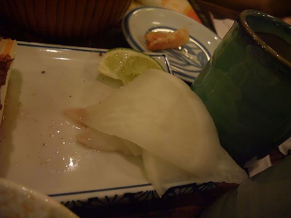綜合炸蝦盤-很恐怖的白蘿蔔.JPG