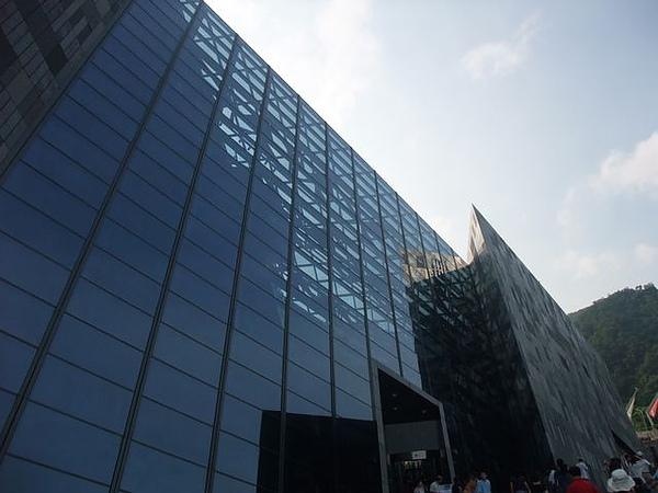 蘭陽博物館-反射建築.JPG