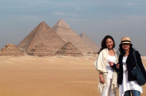 離金字塔那麼近