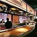 日本非常流行的[葡萄酒酒吧],台灣似乎不太多...