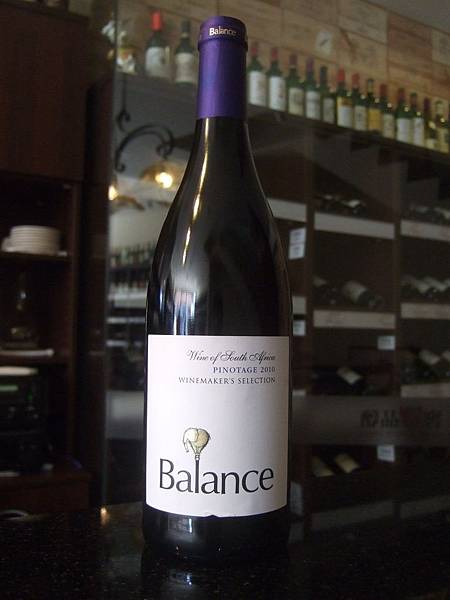 Overhex Balance Winemaker's Selection Pinotage 2010