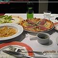 2006.4.8 Friendy pizzeria