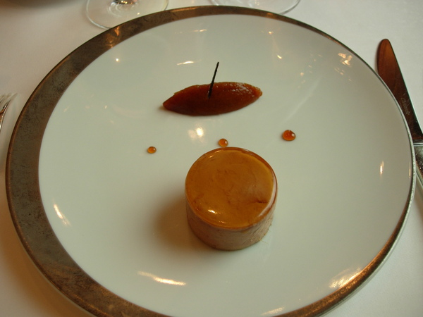 前菜-鵝肝佐梅子醬