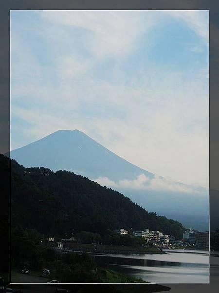 河口湖遠眺富士山