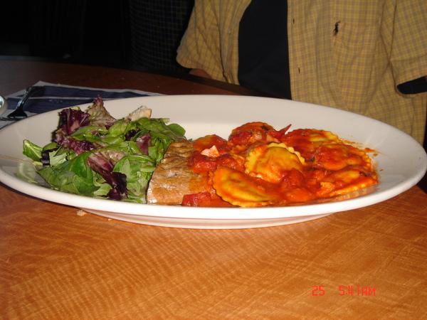 Dinner in Legal Sea Food 3.JPG