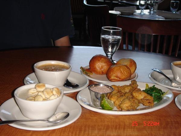 Dinner in Legal Sea Food 1.JPG