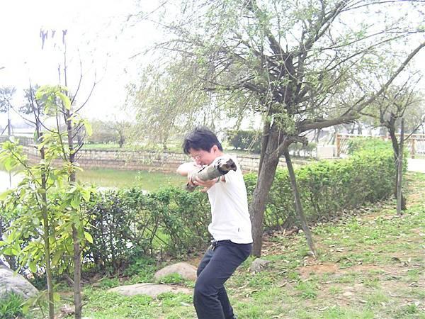 破壞公物之刺刀練習