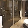 9 bath-Singapore_Carlton_hotel_5star2.jpg