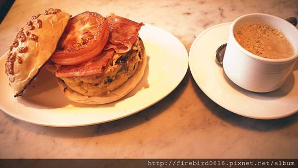 Singapore-Raffles-hotel-Ah Teng%5Cs Bakery 2.jpg