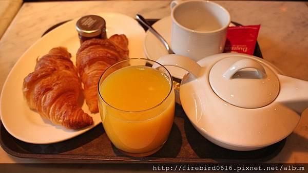 Singapore-Raffles-hotel-Ah Teng's Bakery 3.jpg