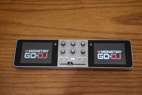 2-1Monster_GODJ_隨身DJ混音器15.jpg