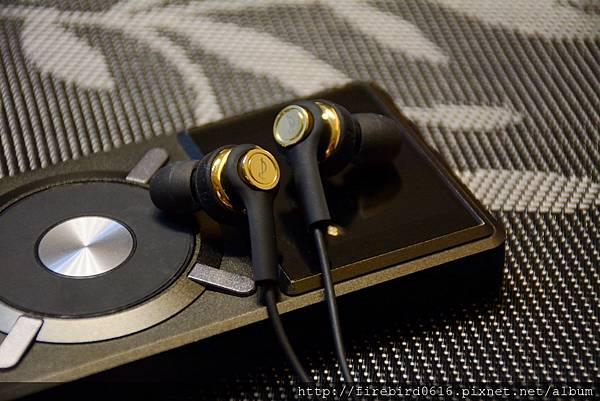 3-2dawnwoodGT-36Halo耳機64.jpg