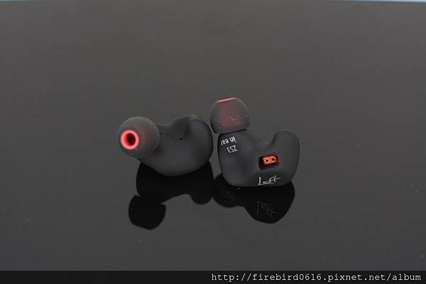 3-4KZ-ZS3可換線雙針耳機12.jpg