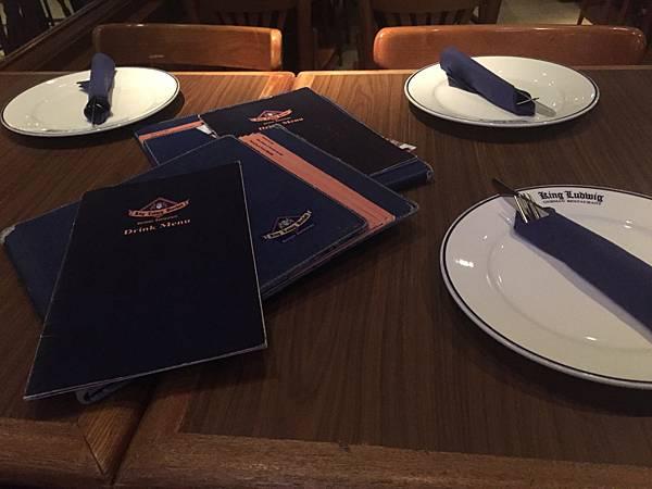 1 香港灣仔KingLudwigBeerhall德國餐廳3.jpg