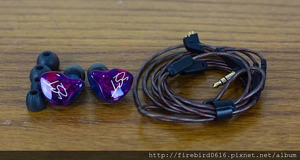 2-3KZ-ZST-PRO類客製化可換線耳機12.jpg