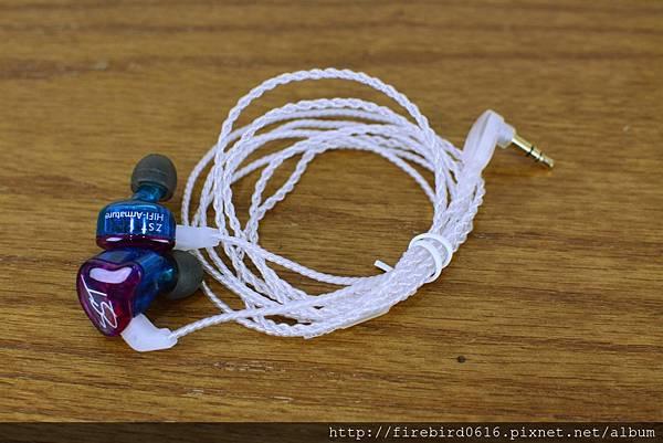 3-6KZ-ZST-PRO類客製化可換線耳機20.jpg