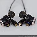 2-6 JVC-HA-FW01木質振膜入耳式耳機24.jpg