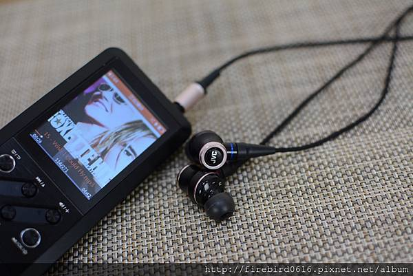 4-1 JVC-HA-FW01木質振膜入耳式耳機34.jpg