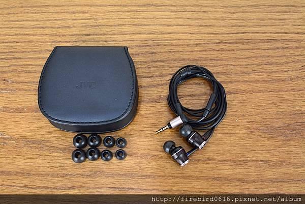 2-4 JVC木質振膜耳機-HA-FW0315.jpg