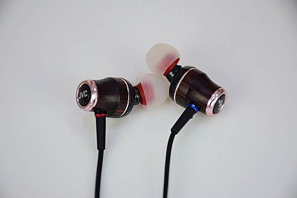 9-1 JVC木質振膜耳機-HA-FW03.jpg