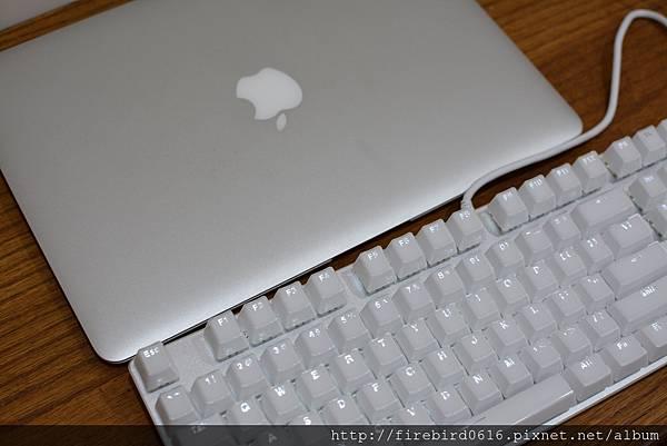7RAPOO雷柏V500S青軸機械鍵盤(白色水晶版)47.jpg