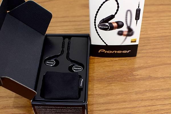 2-2Pioneer-SE-CH9T銅鋁雙層可換線密閉式耳機21.jpg