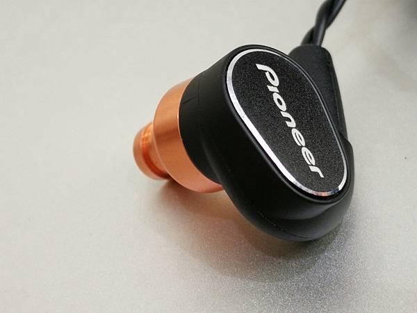 4-2Pioneer-SE-CH9T銅鋁雙層可換線密閉式耳機44.jpg