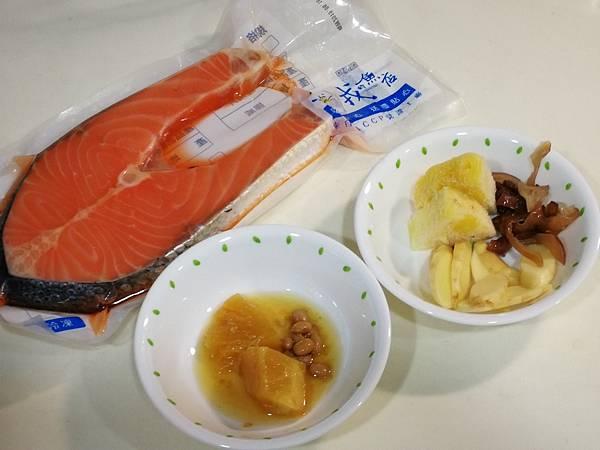 988廚房-醬鳳梨蒸鮭魚料理食譜4.jpg