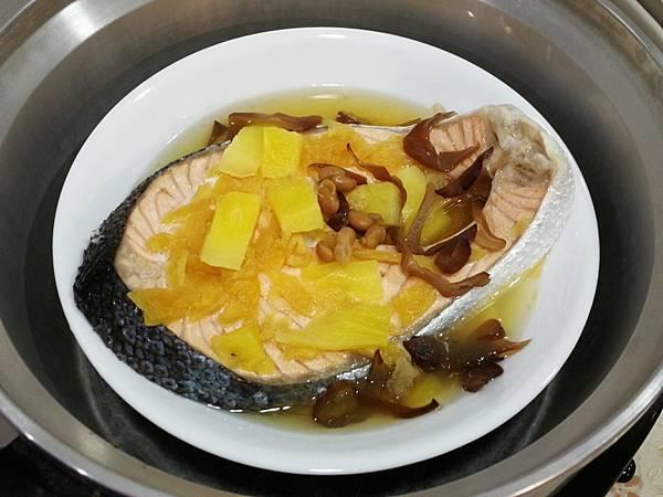 988廚房-醬鳳梨蒸鮭魚料理食譜11.jpg