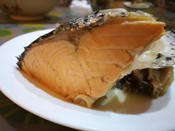988廚房挪威鮭魚頭16.jpg