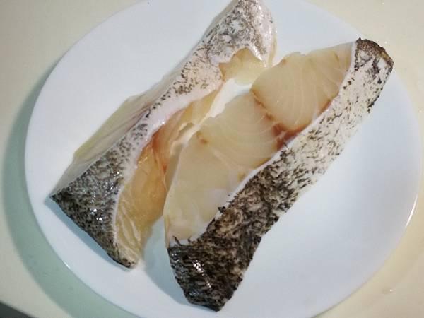 988廚房石斑魚切片5.jpg