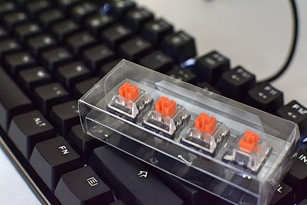 2-2狼派TeamWolf-X08朱雀2.0白光光軸機械鍵盤15.jpg