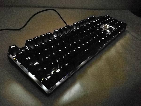 8狼派TeamWolf-X08朱雀2.0白光光軸機械鍵盤45.jpg