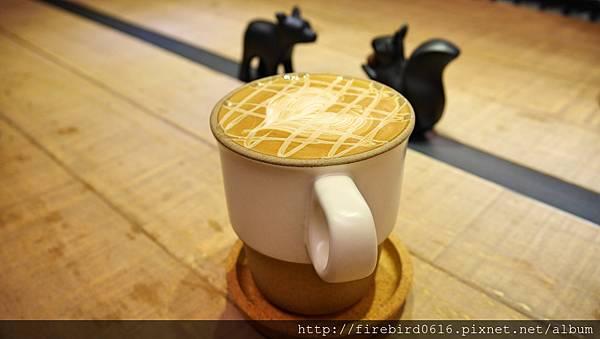 7硬性格咖啡Insinger外帶咖啡80.jpg