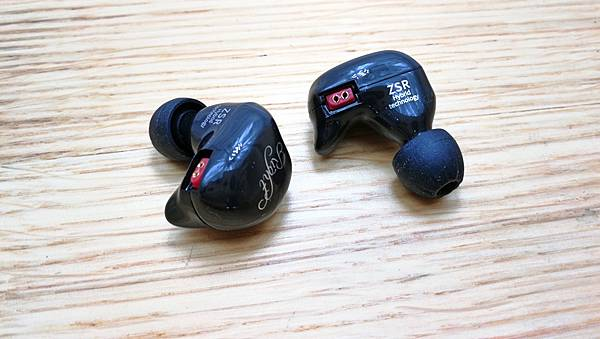 3-1KZ-ZSR三單體(一圈兩鐵)入耳式類客製化耳機6.jpg