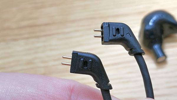 6-1KZ-ZSR三單體(一圈兩鐵)入耳式類客製化耳機20.jpg