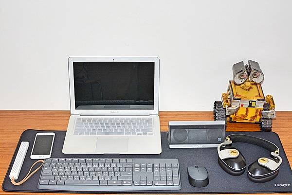 7Spigen-Regnum-A103超長鍵盤滑鼠墊21.jpg
