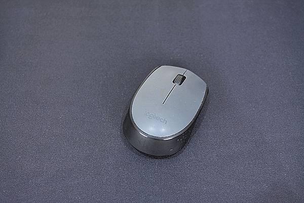 4Spigen-Regnum-A103超長鍵盤滑鼠墊25.jpg