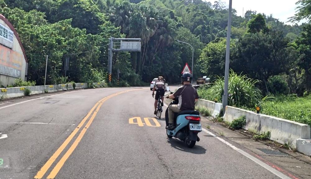 eMOVINB-iE125-baogan-road-test-25.jpg