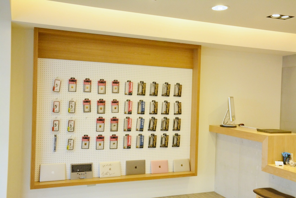 台北MacBook維修-展示牆擺設