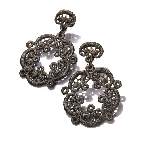 Model 235-AG- Spitzen-Schmuck earrings %22Ariadne%22 Brigitte Adolph.jpg