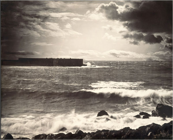 The Great Wave, Sete cu accent grav pe primul e 1857 Gustave le Gray.jpg