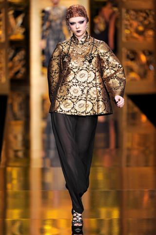 Christian Dior 2 2009 fall.jpg