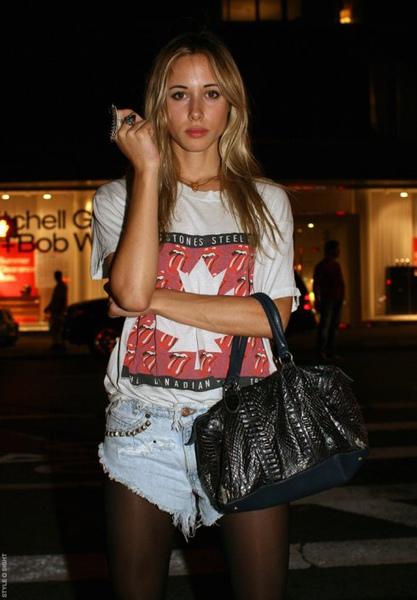 90210-girlfrom twin fashion.jpg