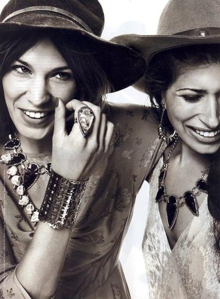 pamela-love-large-arrowhead-necklace-gallery.jpg
