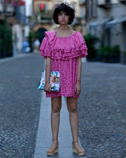 strawberry_dress_street_style_430_646.jpg