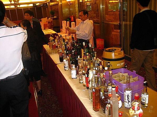 當天品了八十多種酒