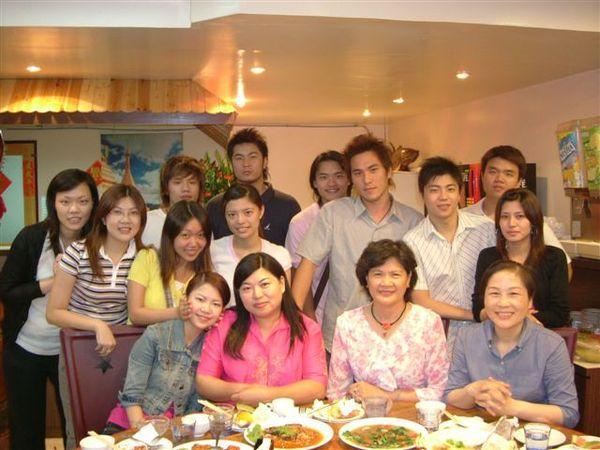 2003年畢業後,我們在2005年第一次舉辦同學會!