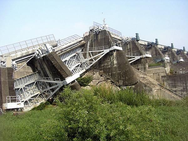 石岡水壩-921的傷痕